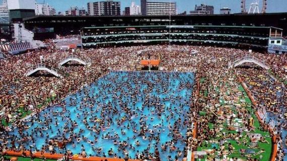 О том, как купаются в пекинских бассейнах